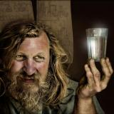Менделеев и чаша водка квадратна