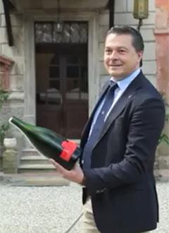 Стефано Агаци, виненият експерт, който следи за качеството на вината н