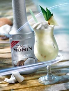 Коктейл с плодово пюре кокос Монини