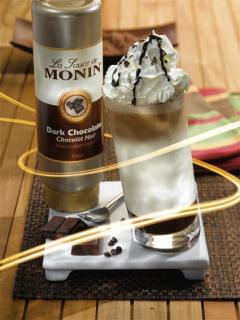 Коктейл с топинг тъмен шоколад на Монин