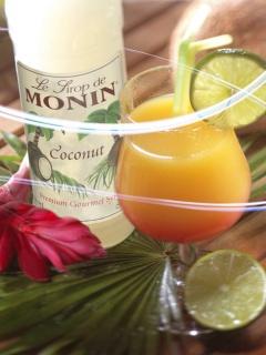 Тропически коктейл със сироп кокос на Монин