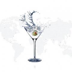 Водка мартини с финландия на фона на картата на света