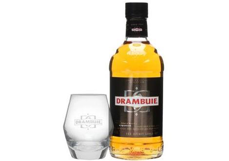 Бутилка Драмбуи с чаша