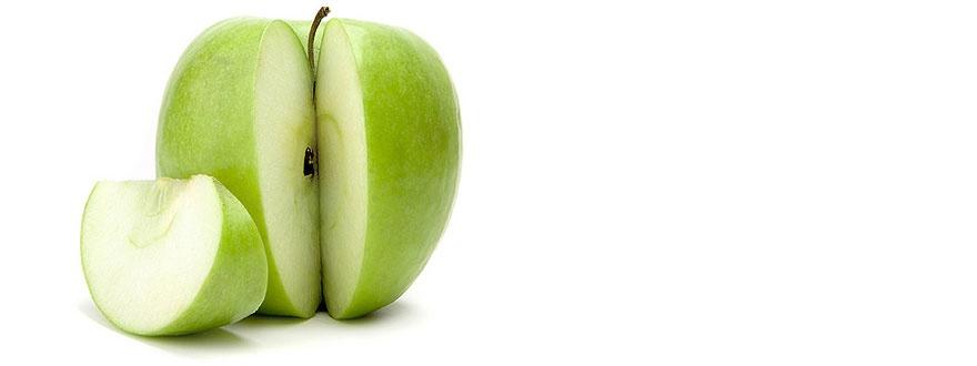 зелена ябълка резен