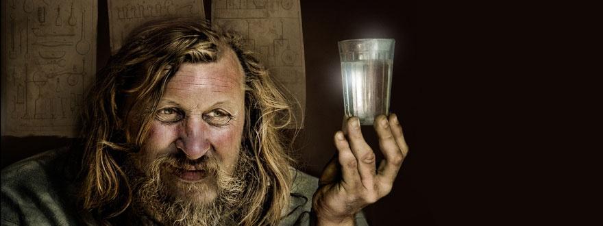 Менделеев и чаша водка 880 на 330